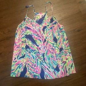 Lilly Pulitzer silk dusk top in Palm reader! SM